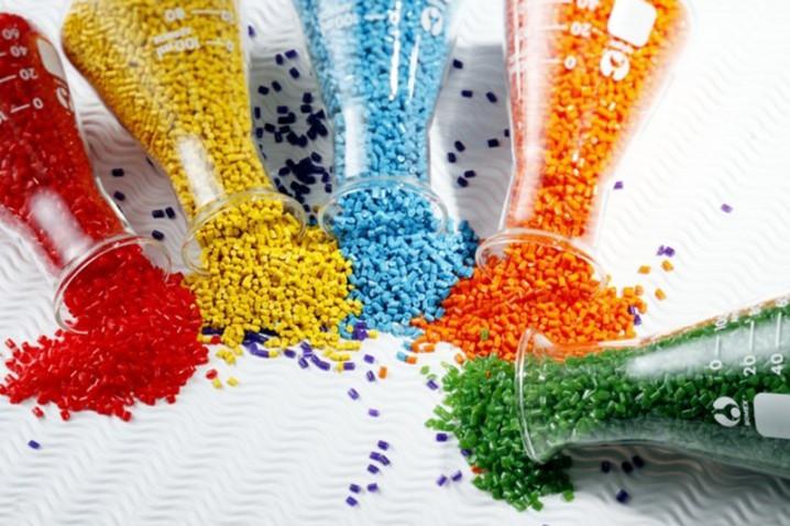 تالار فرآوردههای نفتی و پتروشیمیبورسکالا میزبان عرضه 22 هزار تن مواد پلیمری
