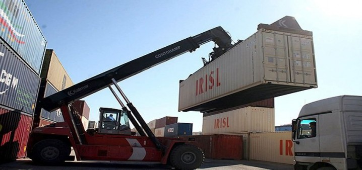 کاهش۲۰ درصدی پیشپرداخت واردات در مقابل صادرات/ برداشته شدن سقف سابقه کارت بازرگانی برای واردات مواد اولیه